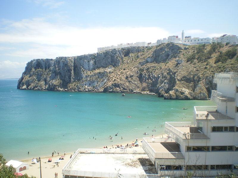 File:Une plage de Al Hoceima.JPG