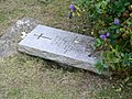 Unknown sailor's grave on Iona - geograph.org.uk - 1038977.jpg
