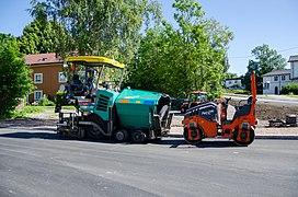 Vögele Super 1303-3i paver and asphalt roller (2).jpg