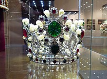 35da8a2a1a858b Van Cleef   Arpels-designed crown of Empress Farah Pahlavi of Iran. She  wore the crown in 1967 coronation ceremony.
