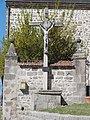 Vergheas (Puy-de-Dôme) croix près de l'église.JPG