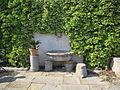 Villa medici di belcanto, discesa lungo il muro di contenimento della prima terrazza, pergolato 04.JPG