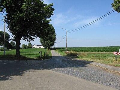 Villers-Perwin, Chaussée romaine (route de Mellet).JPG