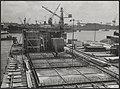 Watersnood 1953. Caissonbouw voor het rampgebied in Rotterdam. De gezamenlijke f, Bestanddeelnr 059-1302.jpg
