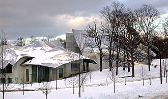 Richard B. Fisher Center for the Performing Arts - West profile in winter 2005