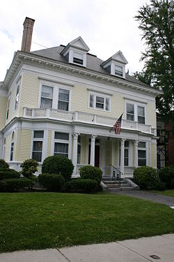 William Hogg House Worcester MA.jpg