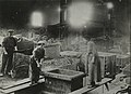 Woman are with cores for ingot mould (15216375557).jpg