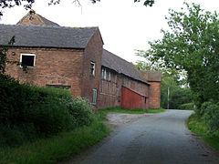 Woodhouse Farm barn (Buerton).jpg
