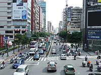 Xinyi Road and Keelung Road intersection 20070524.jpg