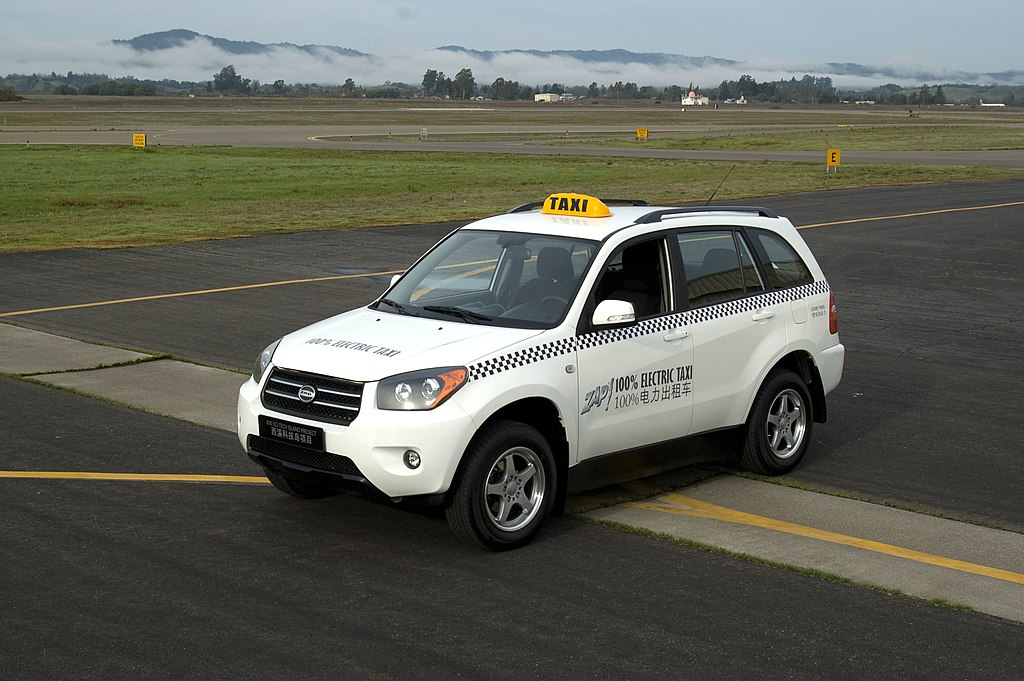 File:Zap-taxi-jonway-electric-suv-a380.jpg - Wikimedia Commons