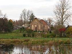 Вид на руины старинной церкви в Аллажмуйжа.jpg