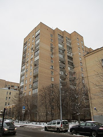Дом, в котором жил Высоцкий с 1975 года, по адресу Малая Грузинская, 28.