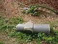 Дореволюционный памятник близ Вознесенского храма в Дубёнках в сентябре 2005 года.jpg