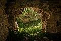 Замок (руїни) (мур.) Вікно.jpg