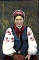 Українка в традиційному вбрані2.jpg