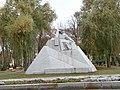Шевченко Т.Г. біля краєзнавчого музею.JPG