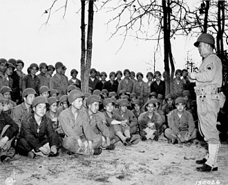 100th Infantry Battalion (United States) - 100th Infantry soldiers receiving training in the use of grenades in 1943