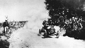 Alessandro Cagno - Cagno in Itala No 3, en route to victory in 1906 Targa Florio.