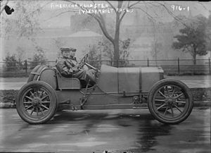 Roadster (automobile) - Early roadster competing for the Vanderbilt Cup