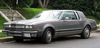 Oldsmobile Toronado - 1985 Toronado Caliente, with a fixed opera window pillar