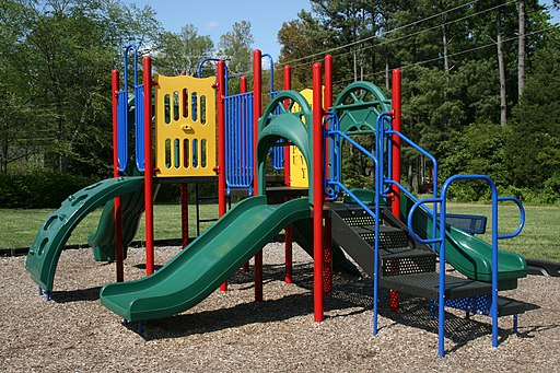 2009-04-21 Hampton Forest Apartment Homes playground
