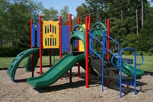 2009-04-21 Hampton Forest Apartment Homes playground