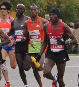 Shami Abdulahi - Shami Abdulahi (centre) at the 2012 Chicago Marathon.