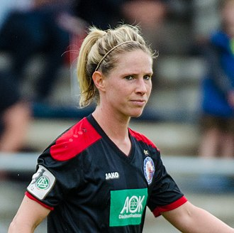 Elise Kellond-Knight - Kellond-Knight playing for Turbine Potsdam in 2015