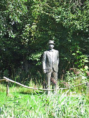 Thijsse's Hof - Statue of Jac.P.Thijsse, the founder of the Hof
