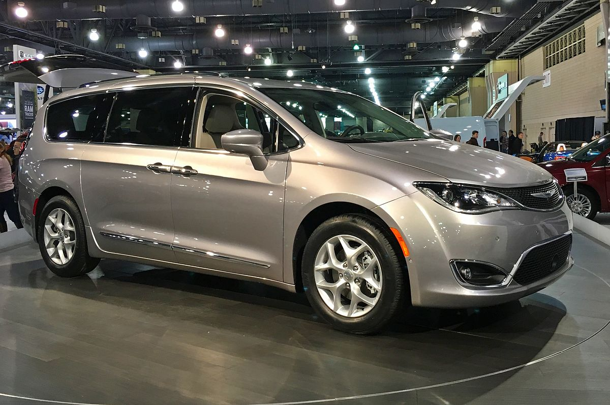 2017 Chrysler Town And Country >> Chrysler Pacifica (RU) - Wikipedia