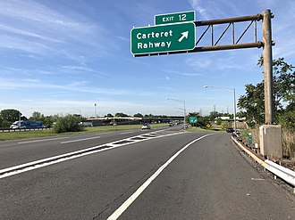 Carteret, New Jersey - View south along the New Jersey Turnpike (I-95) in Carteret
