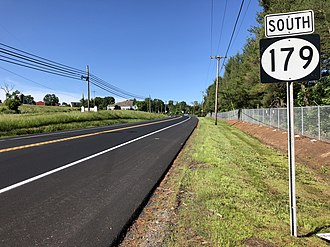 Route 179 (Pennsylvania–New Jersey) - View south along Route 179 at Queen Road in West Amwell Township