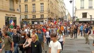 File:2021-07-17 defile-historique-Paris-apercu-576p.webm