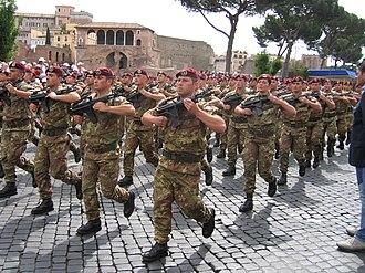Paracadutisti - 183° Parachute Regiment parading 2 June 2006 in Rome