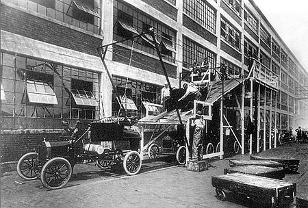 Nearly-completed Ford Model Ts at the Highland Park Plant A-line1913 edit.jpg