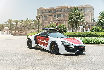 Abu Dhabi Police patrol car on duty at Emirates Palace Abu Dhabi Police - Lykan Hypersport (Official Press) (18015081283).jpg