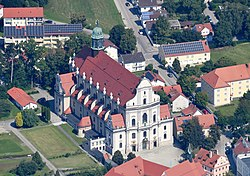 Aerial image of the Basilica of St. Ann, Altötting (view from the south).jpg