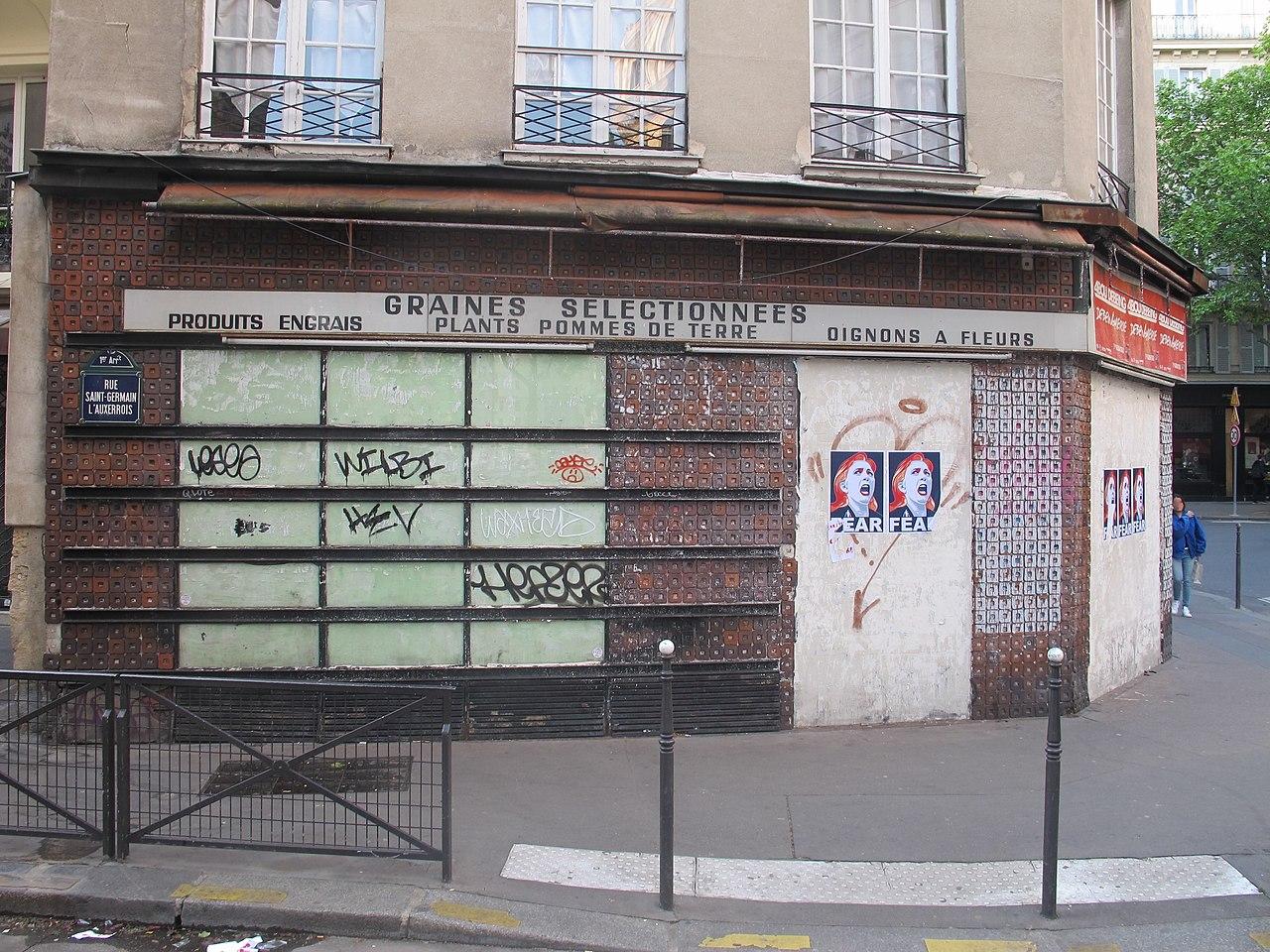 Affiches anti-Marine Le Pen Paris 1er 3.jpg