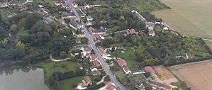 Aillant-sur-Milleron - An aerial view of Aillant-sur-Milleron