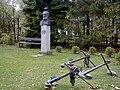Ainaži, K. Valdemāra piemineklis pie muzeja 1999-10-09 - panoramio.jpg