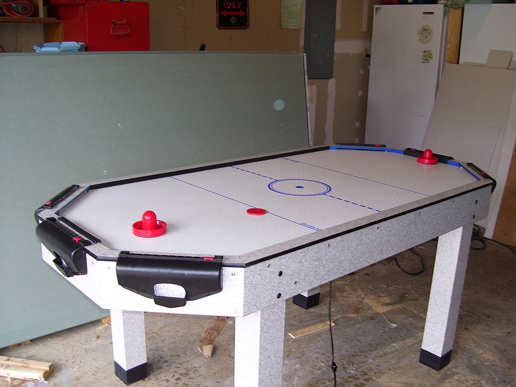 Air hockey table dimensions - File Air Hockey Table With Puck And Paddles Jpg