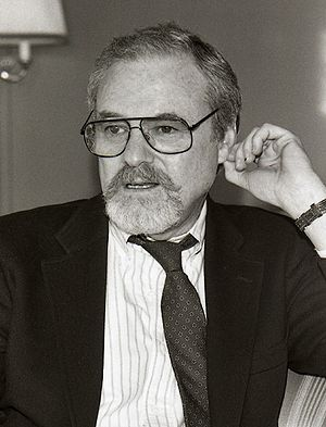Alan J. Pakula - Pakula in Sweden, 1990.