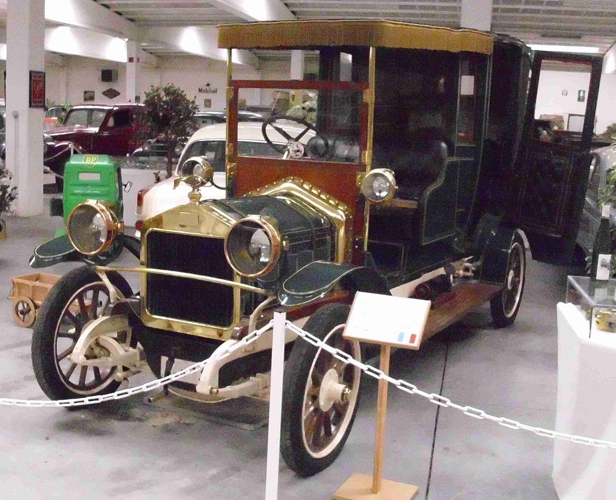 Langs Old Car