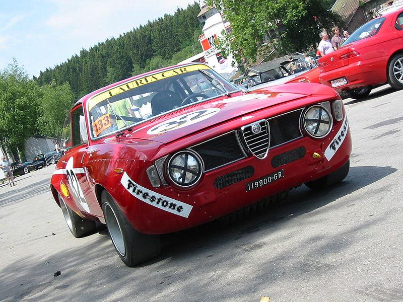 Alfa, la plus..... 800px-Alfa_Romeo_1300_Junior_GTA