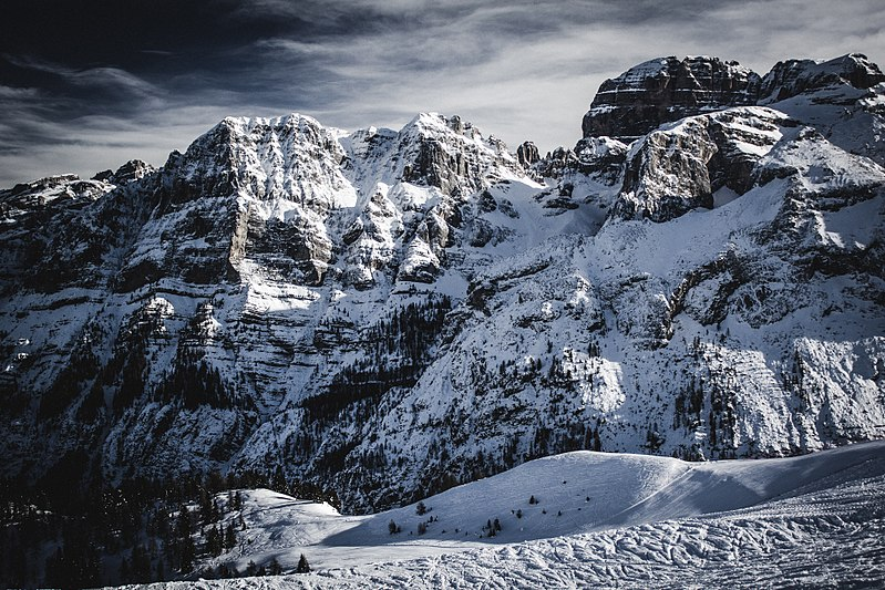 File:Alps, Italy (Unsplash).jpg