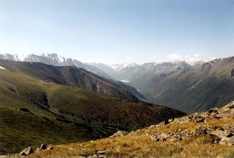 800px Altai Kutscherla Tal und See