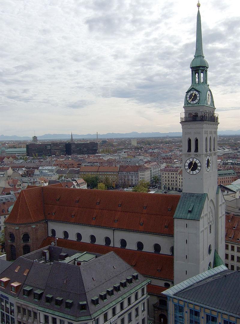 慕尼黑聖彼得教堂,圖片摘自維基百科。