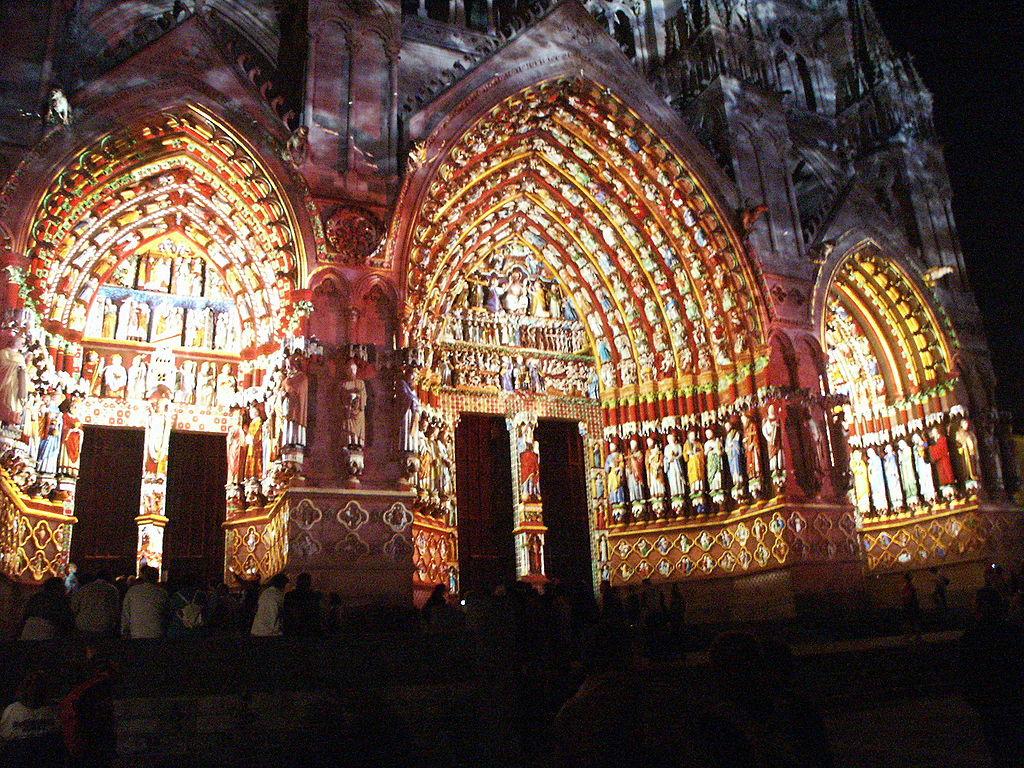 File amiens iluminacion fachada catedral jpg wikimedia - Iluminacion original ...