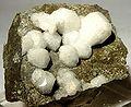 Analcime-Apophyllite-23661.jpg