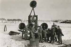 Acoustic location - Swedish soldiers operating an acoustic locator in 1940